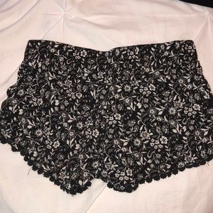 Full Tilt Shorts - Tilley's floral stretchy shorts